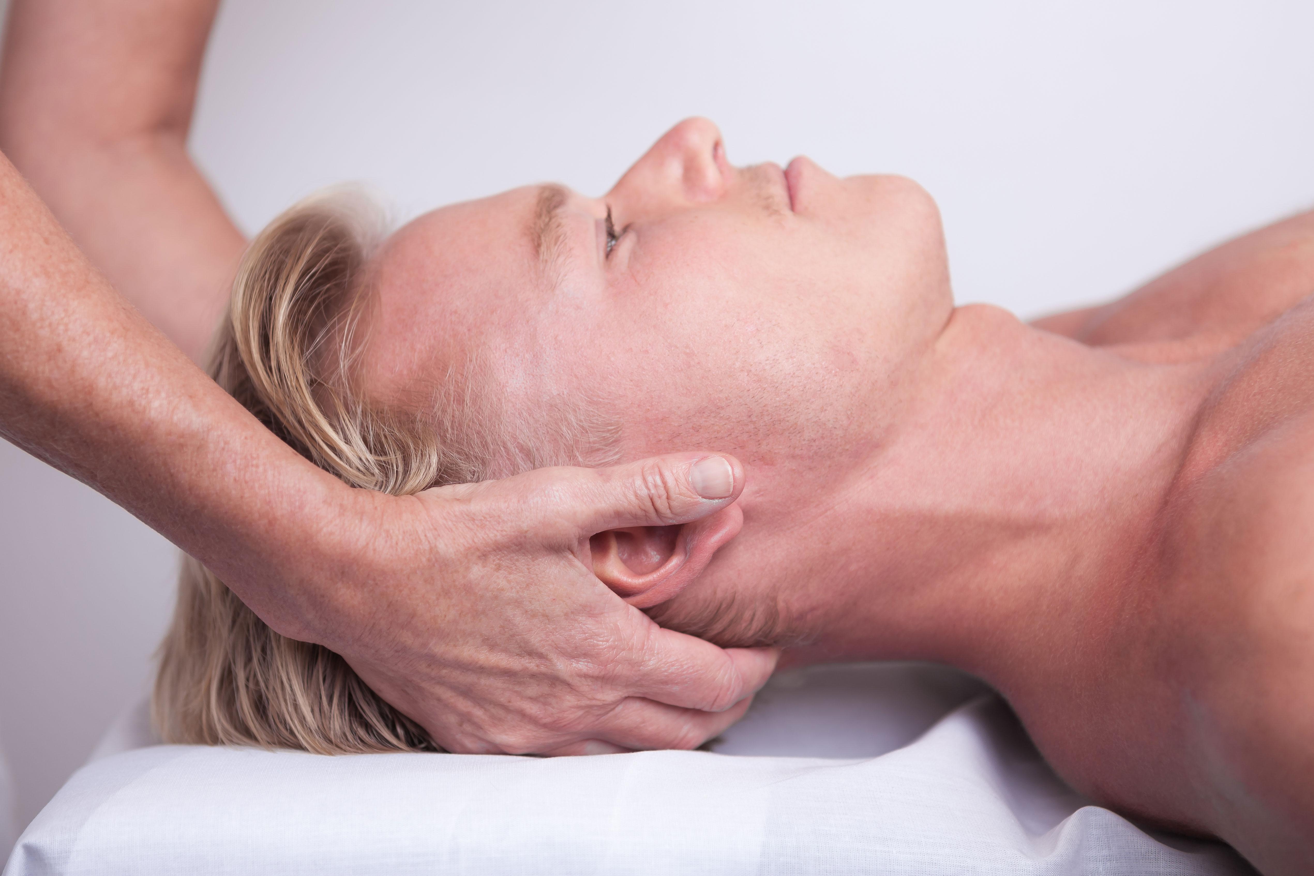 nerve i klemme i nakken svimmelhed